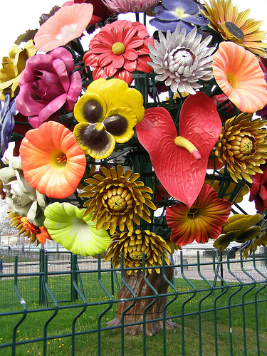 The Flower Tree installation by Choi Jeong Hwa