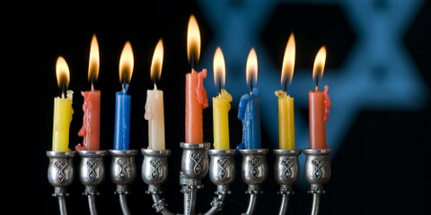 Haiku: Happy Tahnskgivng in ten takes - Menorah Livhts; This year Hanukkah starts on the same day