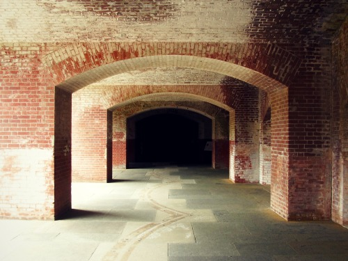 a fort with point arches - the Tunnel of Emptiness