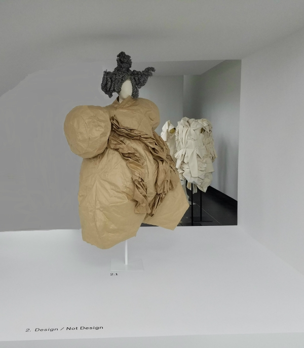 The MET: Rei Kawakubo & Irving Penn Exhibits - Design/Not Design #2